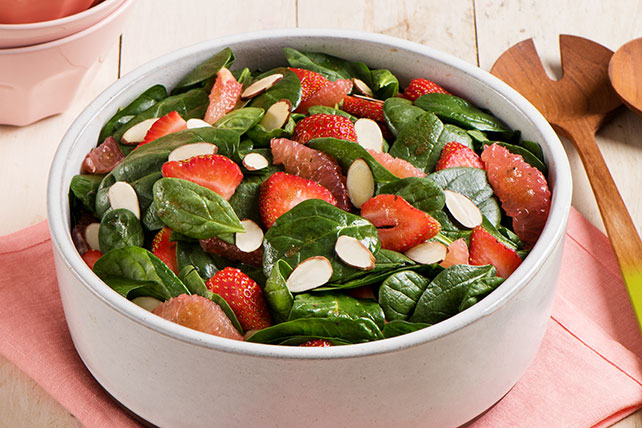 Spinach, Strawberry and Grapefruit Toss
