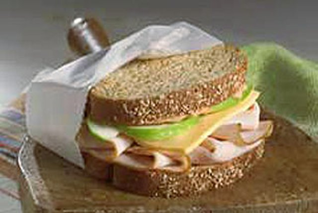 Turkey-Apple Sandwich Image 1