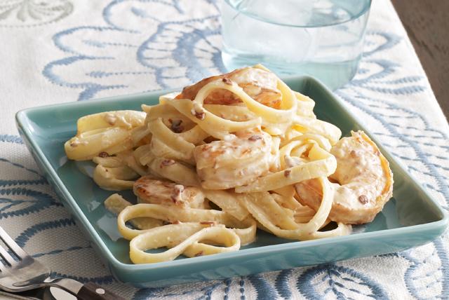 Fetuchini Alfredo de camarones con chipotles Image 1