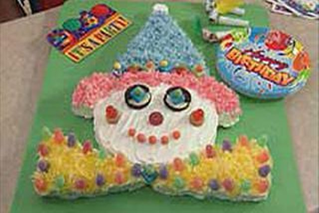 Birthday Clown Cake Image 1