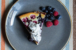 Berry-Berry Cake