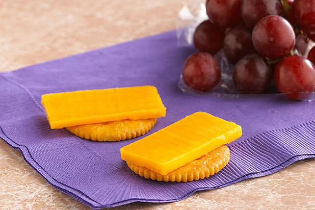 RITZ Crackers & Cheddar Cheese Bites Image 1