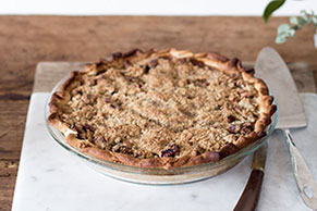 Apple-Pear Streusel Pie