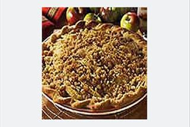 Apple-Pear Streusel Pie Image 1