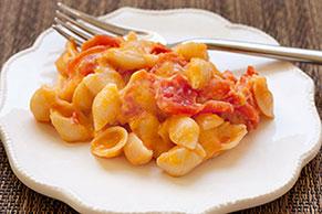 Cheddar Tomato Shells & Cheese