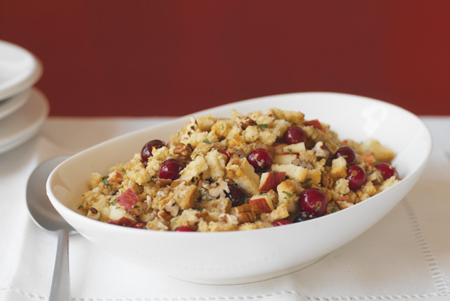 apple-cranberry-pecan-stuffing-66319 Image 1