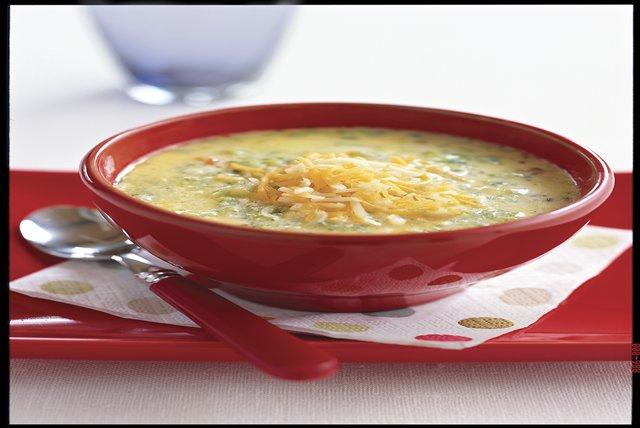 Sopa de brócoli y queso cheddar Image 1