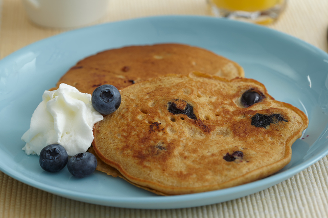 Graham Cracker Blueberry Pancakes