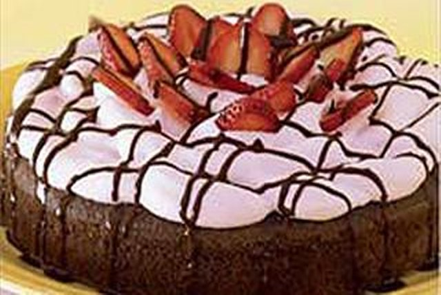 BAKER'S ONE BOWL Chocolate-Strawberry Cake Image 1