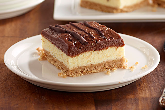 Barras de cheesecake de chocolate sin hornear JELL-O®