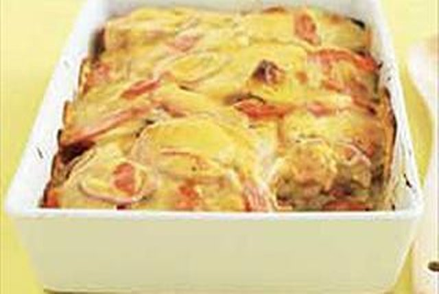 Cheesy Scalloped Potatoes and Carrots Image 1
