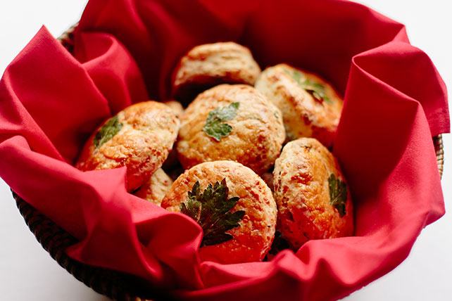 One-Bowl Cheddar Biscuits Image 1