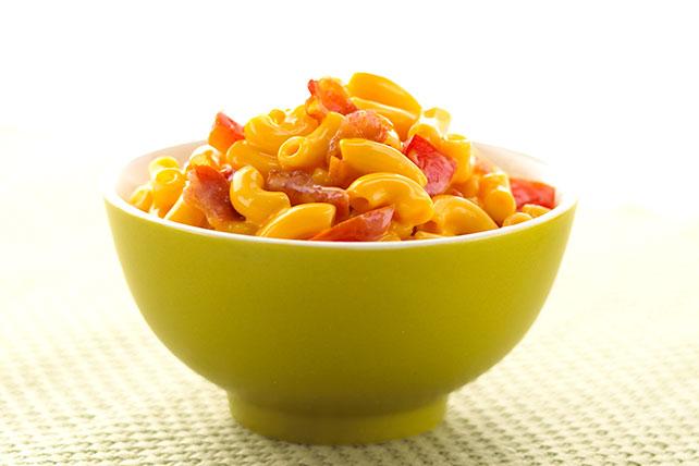 Macarrones con queso, tocino y tomate Image 1