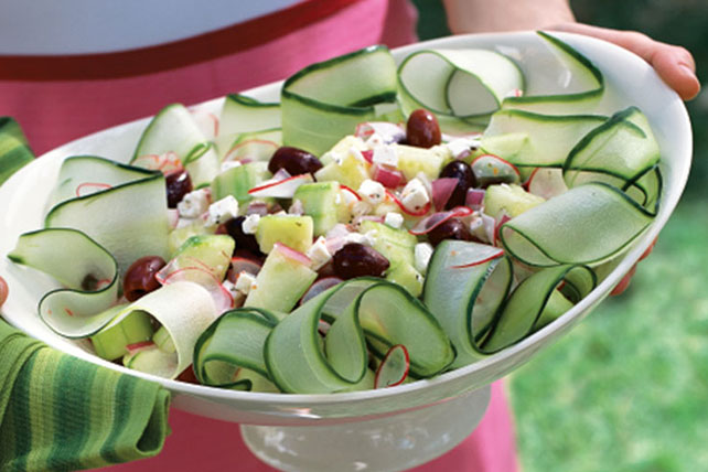 Crisp and Easy Cucumber Salad Image 1