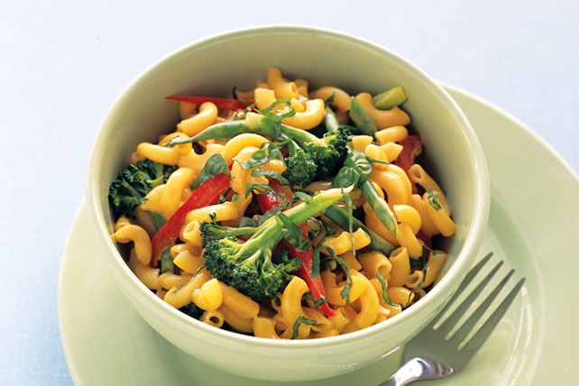 One-Pot Mac & Cheese Primavera Image 1