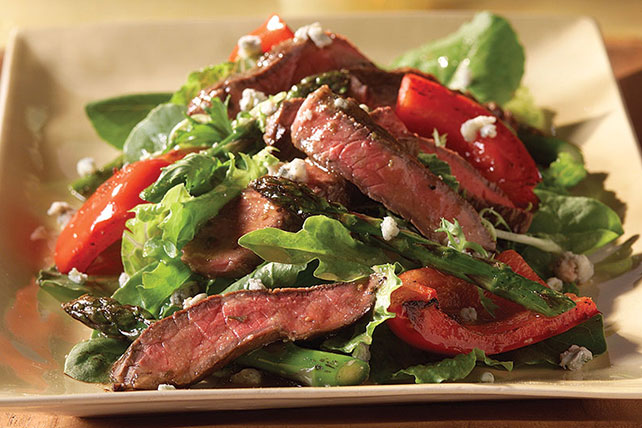 Balsamic Steak and Blue Cheese Salad Image 1