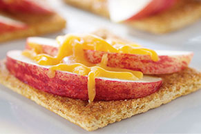 "Apple-Cheese ""Toasts"""