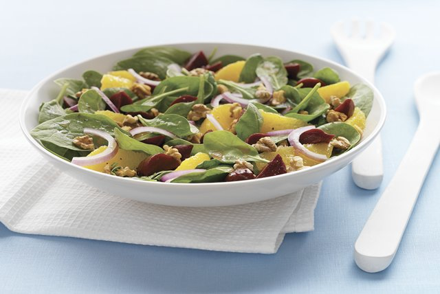 Citrus, Beet & Spinach Salad Image 1