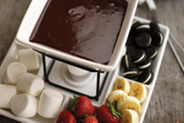 BAKER'S Best Chocolate Fondue Image 1