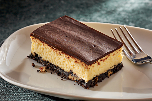 Layered Nanaimo Bar Cheesecake Recipe - Kraft Canada