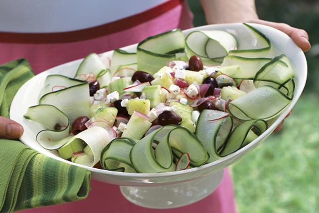 Easy Crisp Cucumber Salad Image 1