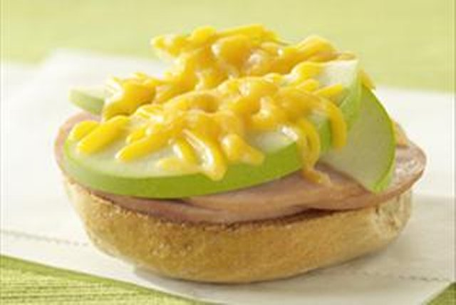 Canadian Bacon Bagel Image 1