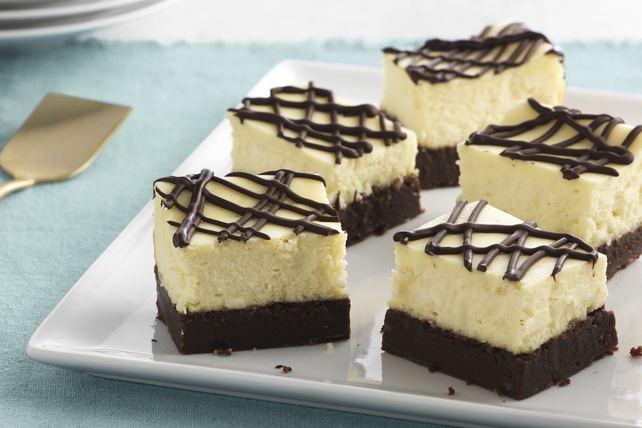 Brownie-Bottom Cheesecake Bars Image 1