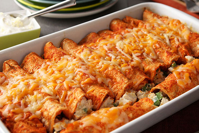 Creamy chicken red enchiladas receta comida kraft for Easy things to make for dinner for two