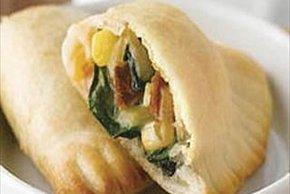 Empanadas de queso, espinaca y tocino