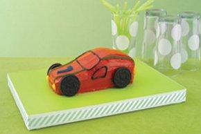 Pastel en forma de auto de carreras