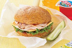 Fabuloso sándwich de pavo con salsa para asar
