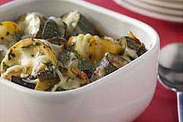 Calabacitas con queso derretido y chiles verdes Image 1