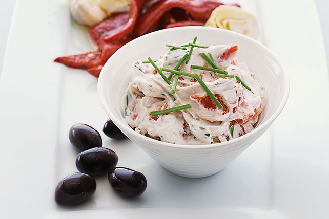 Sun-Dried Tomato & Garlic Dip Image 1