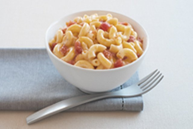 15-Minute Mediterranean Mac 'N Cheese Image 1