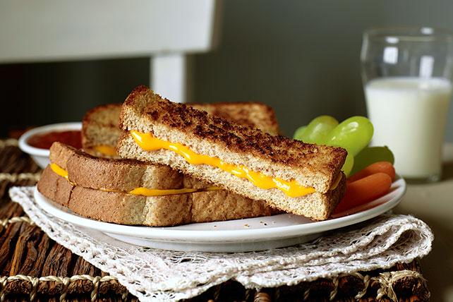 Sándwich de queso tostado en bastoncitos Image 1
