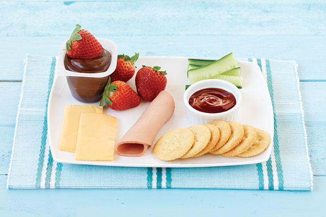 Plato frío de bologna, queso y pepino Image 1