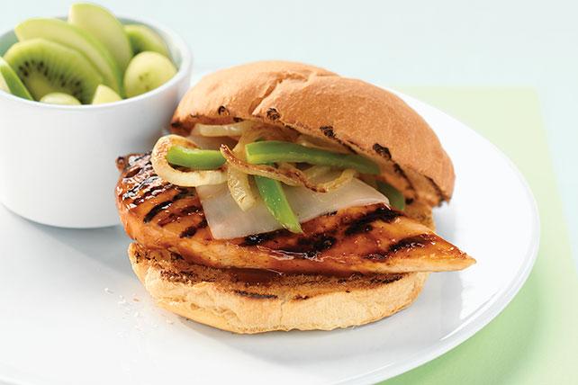 Sándwich de pechuga de pollo y queso a la parrilla Image 1