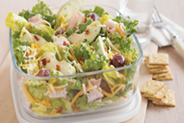 Harvest Salad To Go Image 1