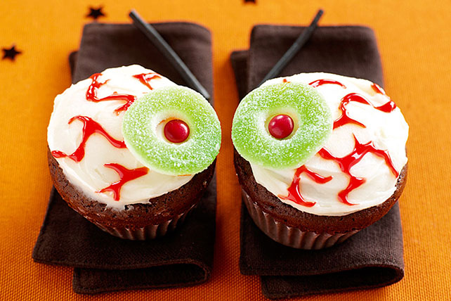 """Eyeball"" Cupcakes Image 1"