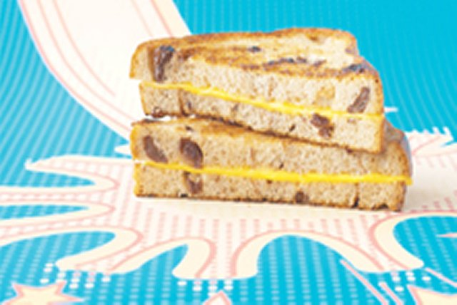 Sweet Surprise Grilled Cheese Image 1