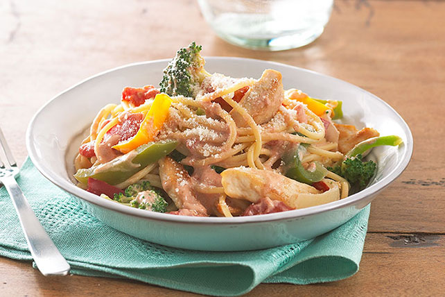 Creamy Tomato and Chicken Spaghetti Image 1