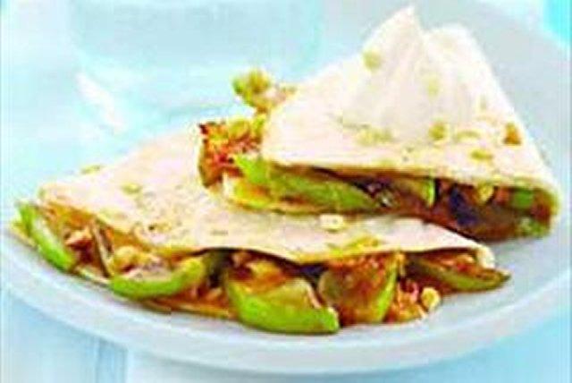 Quesadillas de manzana caramelizada y cheddar Image 1