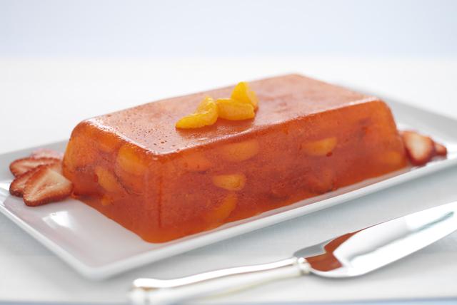 Gelatina estilo mimosa con naranjas y fresas Image 1
