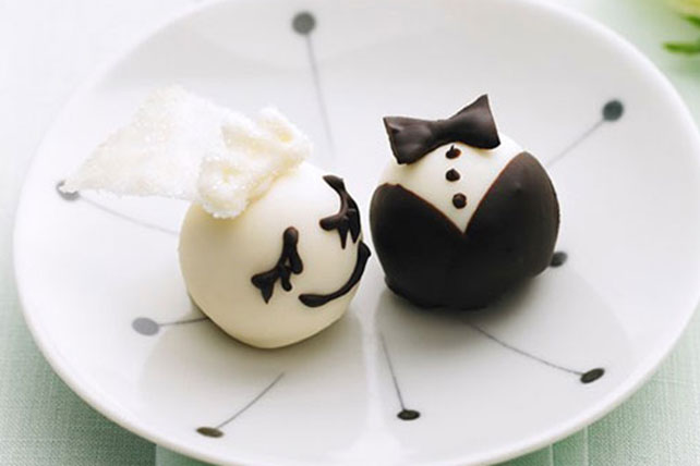 Bride & Groom OREO Cookie Balls Image 1