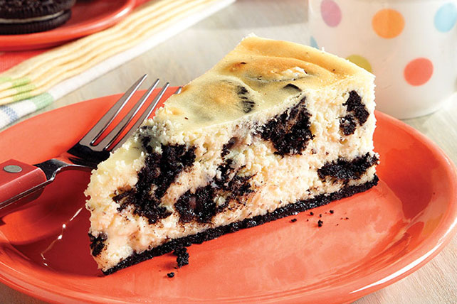 Cookies 'N Cream Cheesecake Image 1