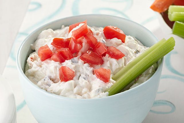 Cool & Creamy Vegetable and Bagel Dip
