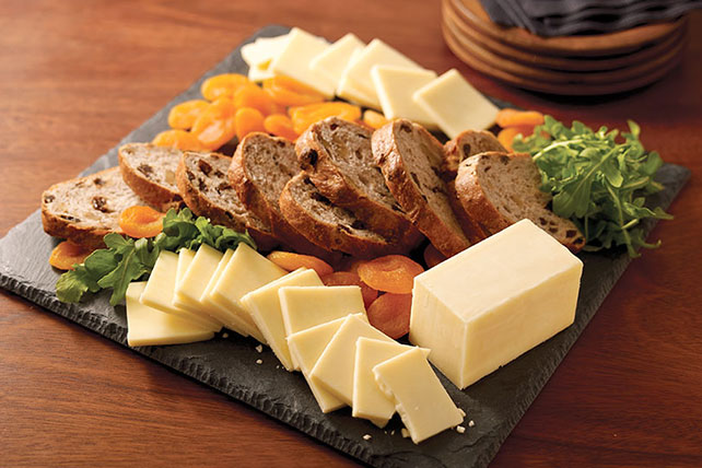 CRACKER BARREL Cheese Board with Fruit & Bread Image 1