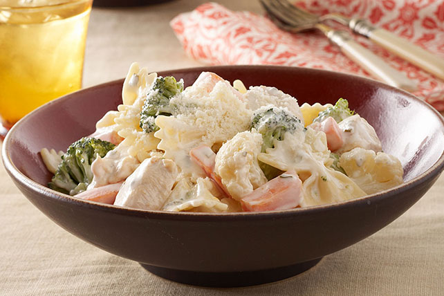 Creamy Chicken Bow-Tie & Vegetables Image 1