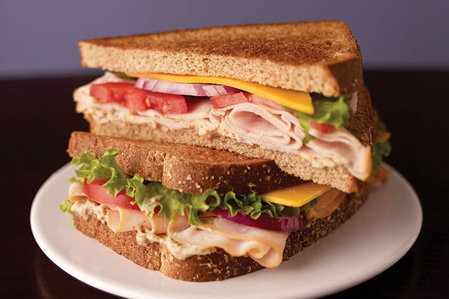 Picnic Basket Turkey Sandwich Image 1