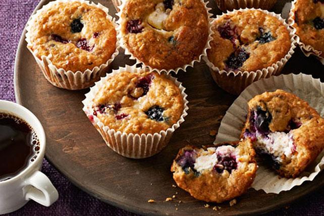 Muffins de cheesecake con frutas del bosque y avena Image 1